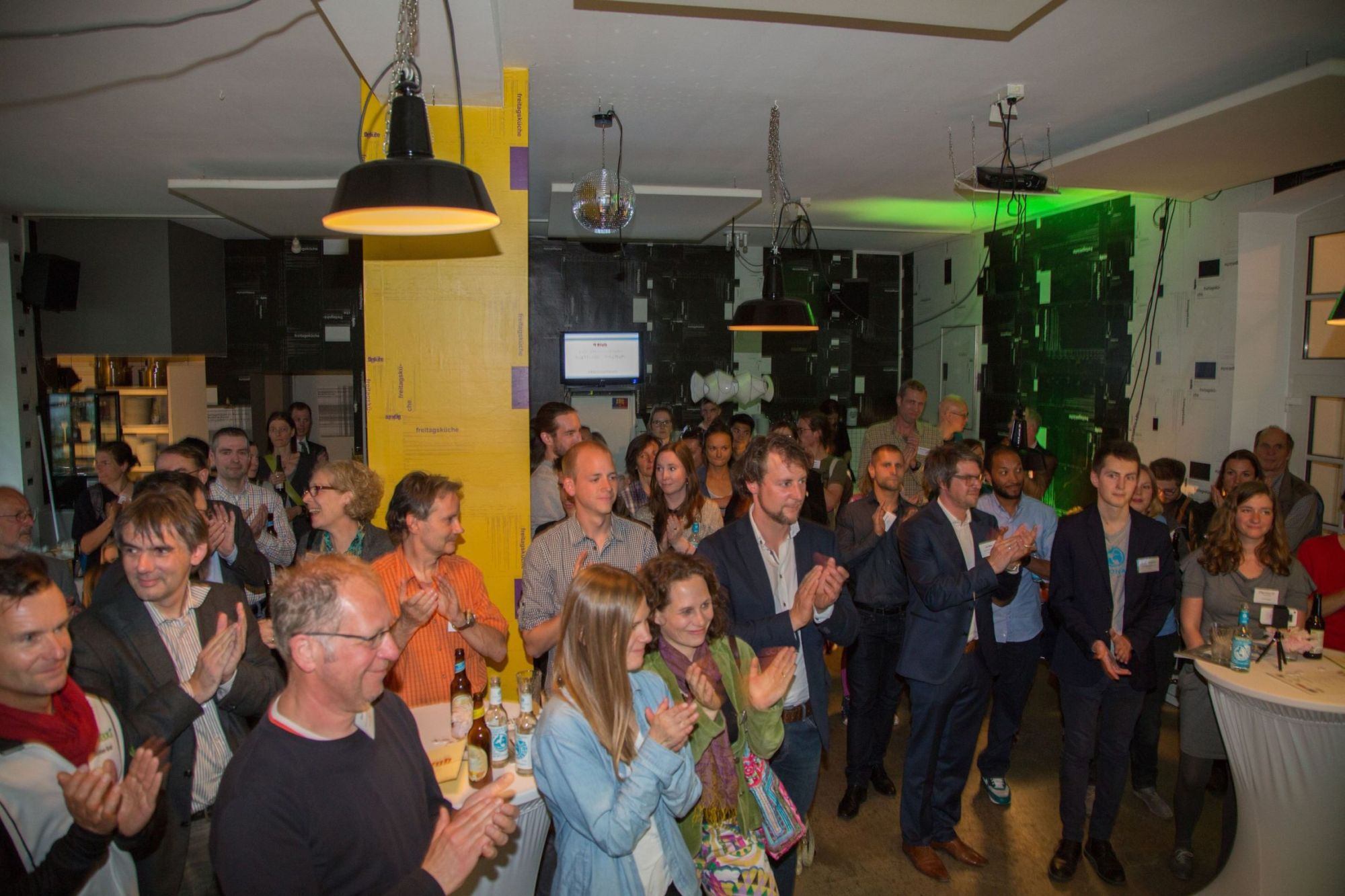 5. N Klub Frankfurt: Wie man eine Handpuppe von nachhaltigem Banking überzeugt